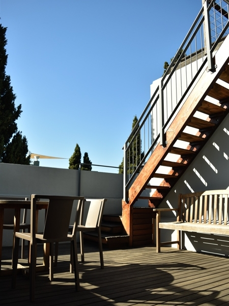 77 Loader Street - balcony & roof deck stairs