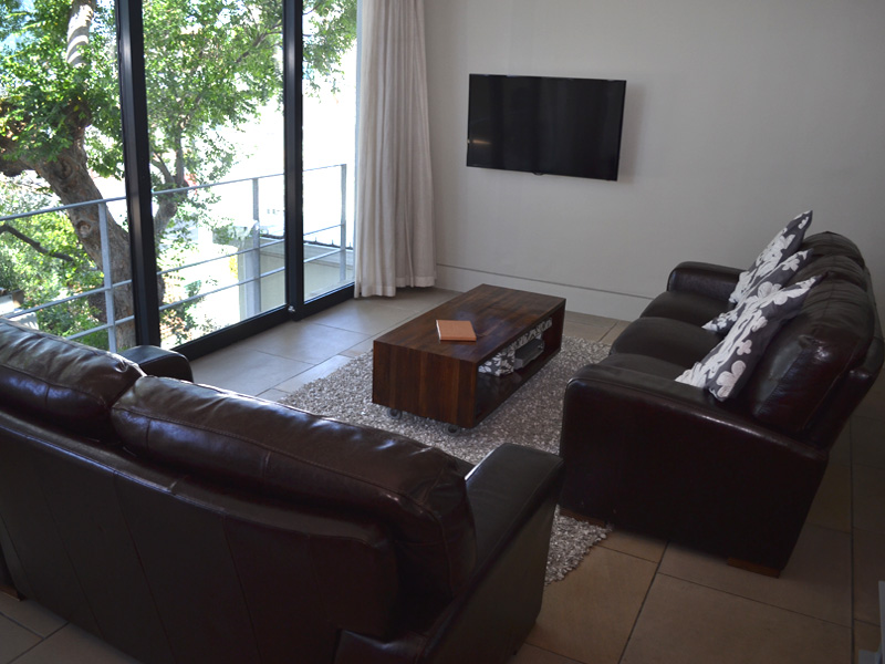 24 Loader Street - living area