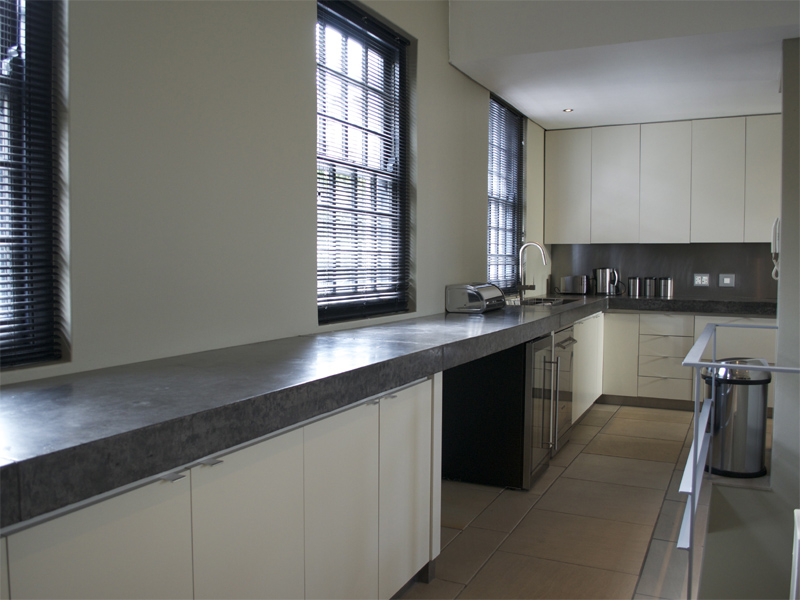 24 Loader Street - kitchen