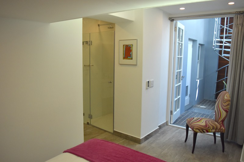 10 Loader Street - bedroom 3 & en-suite