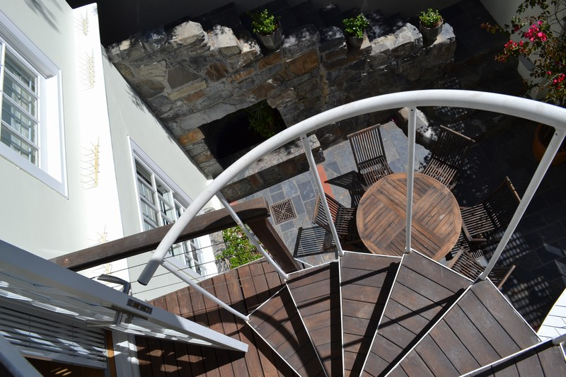 42 Napier Street - spiral stairs to top deck