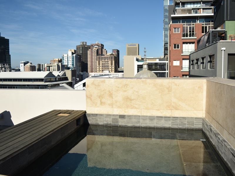 2 Loader Street - roof terrace plunge pool