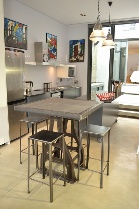 76 Waterkant Street - dining & kitchen area