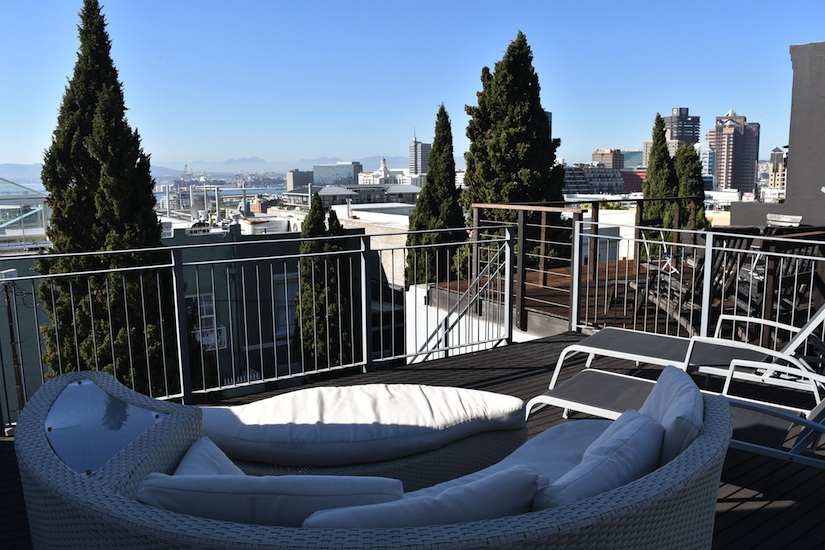 77 Loader Street - roof deck & views