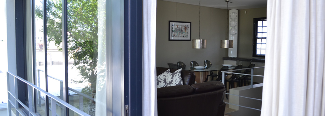 24 Loader Street - open plan living area